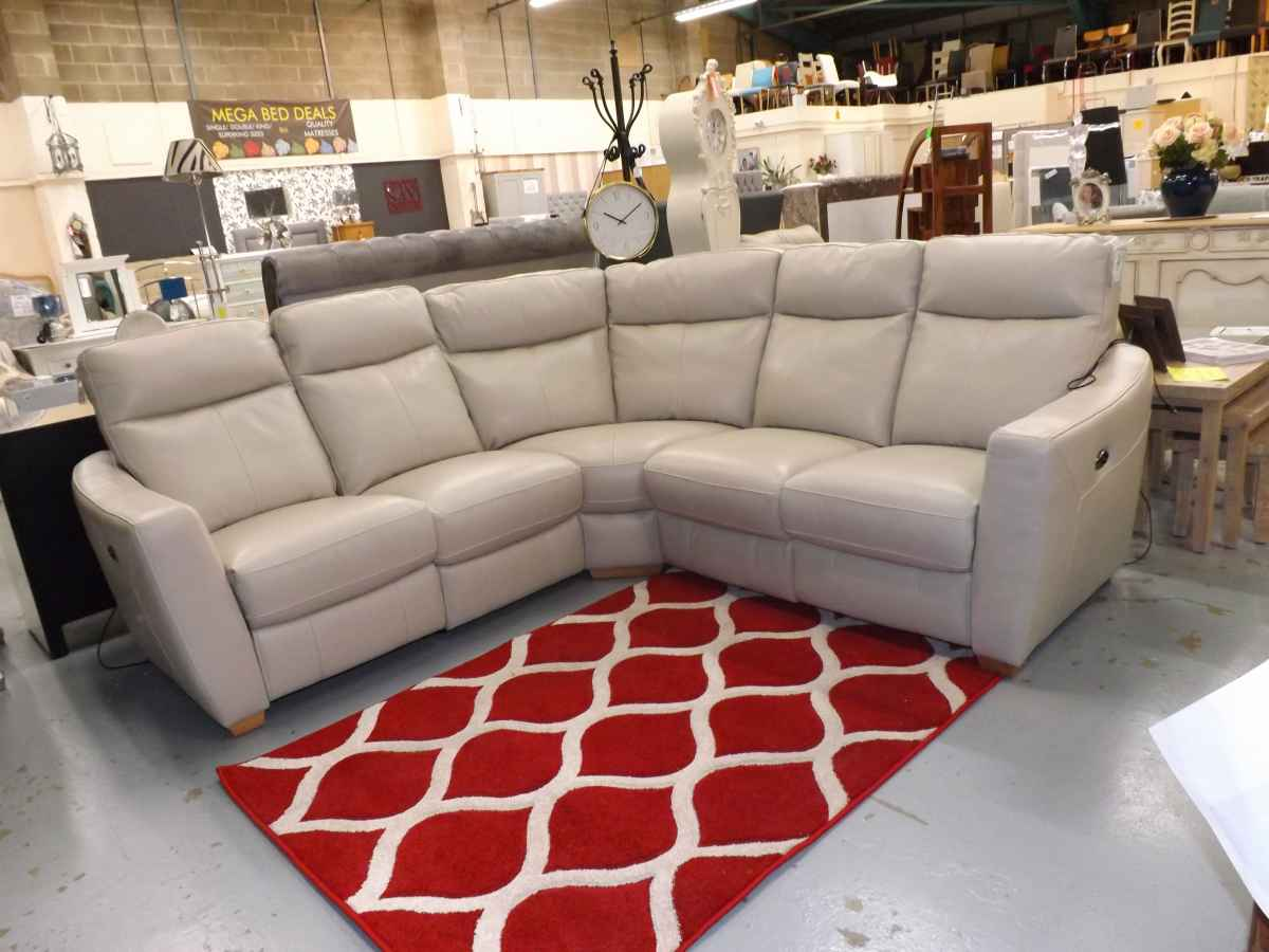 world of leather compact collection leather corner sofa electric ...